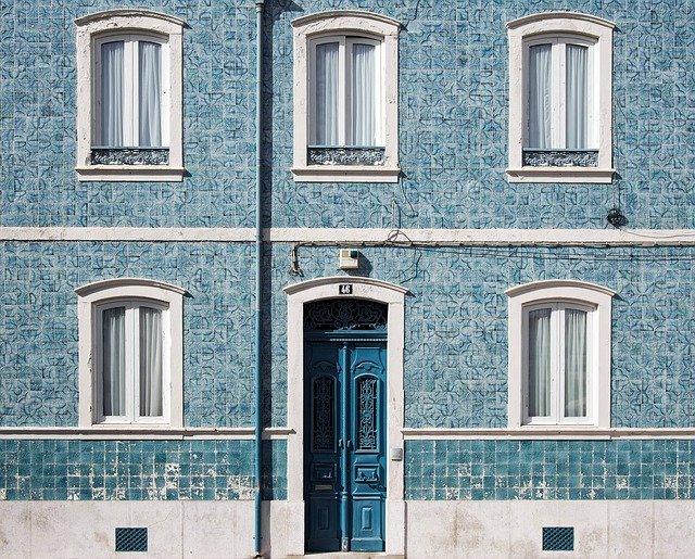 modrá fasáda