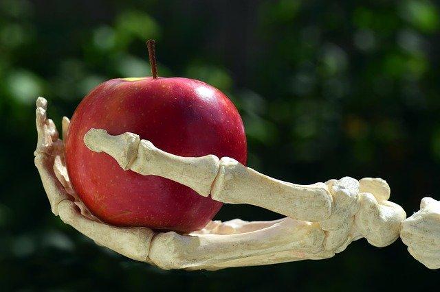 jablko na dlani