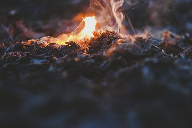 venkovní oheň