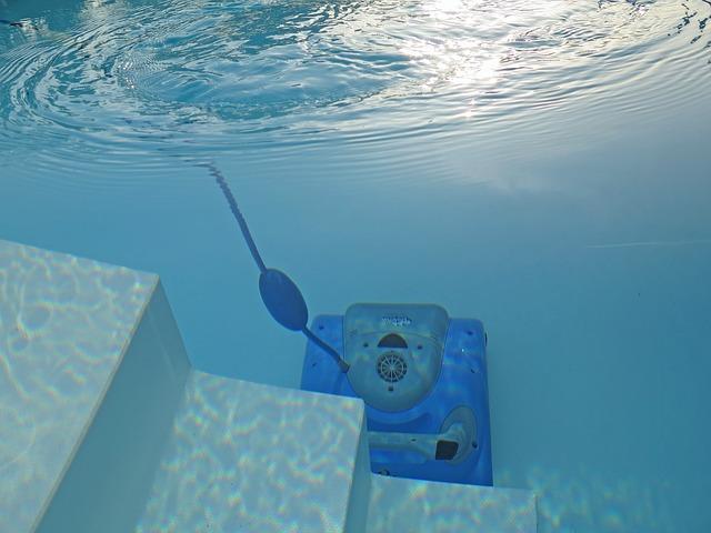 Vysavač do bazénu vám práci usnadní