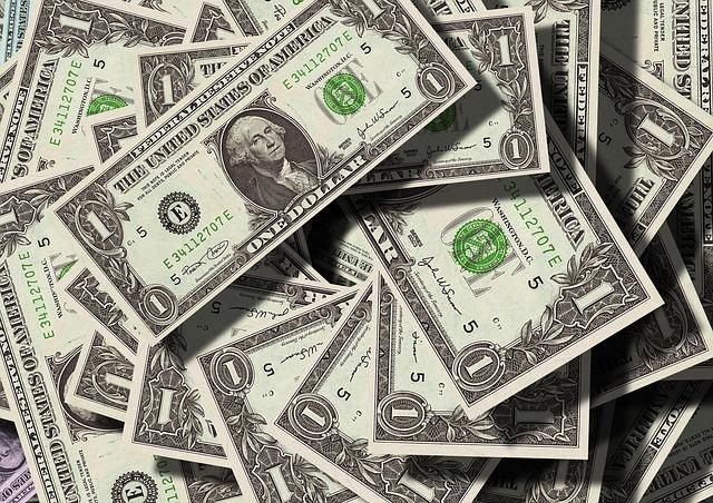 papírové dolary