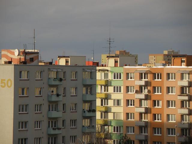 sídliště s panelovými domy