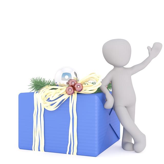 velká ozdobně zabalená dárková krabice